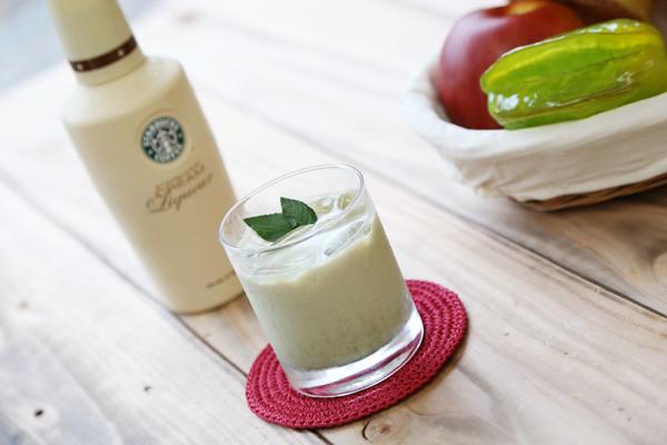 生青汁カルーアミルク