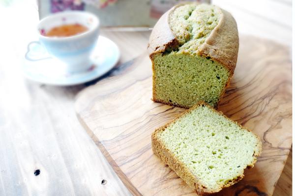 生青汁パウンドケーキ